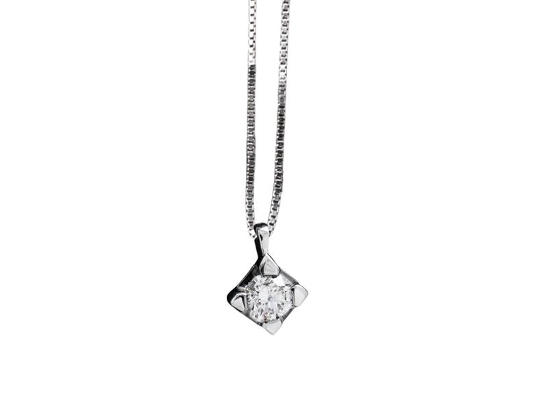 5001 – Collana classica in oro bianco e diamanti naturali