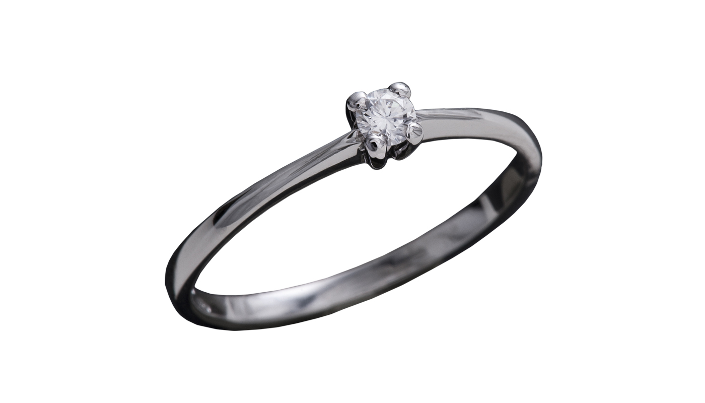 7006 – Anello classico in oro bianco e diamanti naturali
