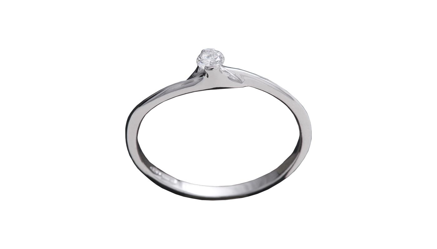 7008 – Anello classico in oro bianco e diamanti naturali