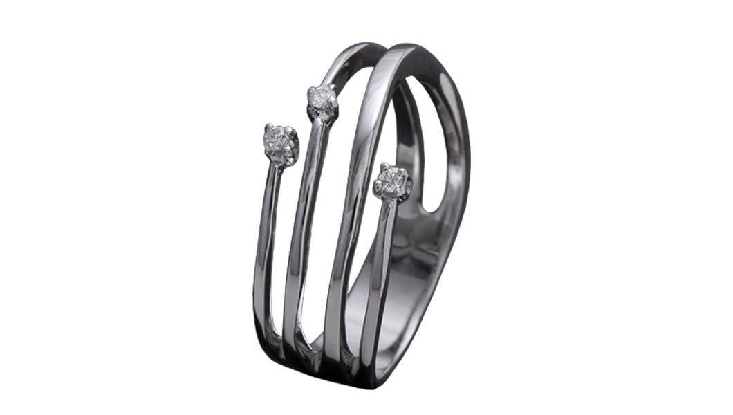 978 – Anello in oro bianco e diamanti naturali