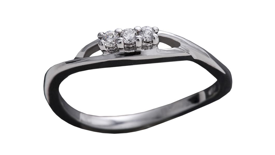 979 – Anello in oro bianco e diamanti naturali
